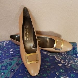 New Bruno Magli Italian leather pumps size 11